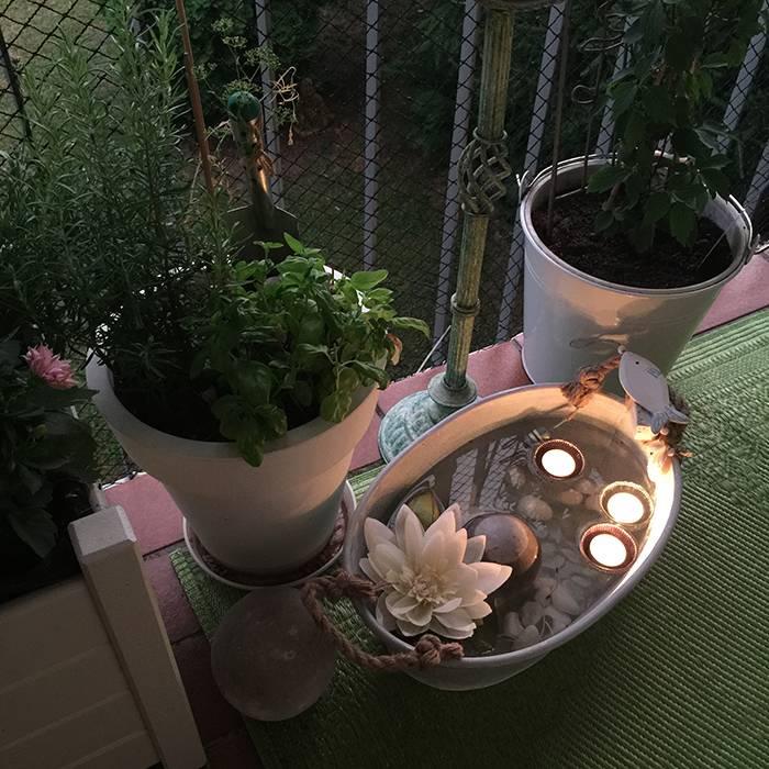 sehnsucht wasser dein balkon teich beas gedankensprudler. Black Bedroom Furniture Sets. Home Design Ideas